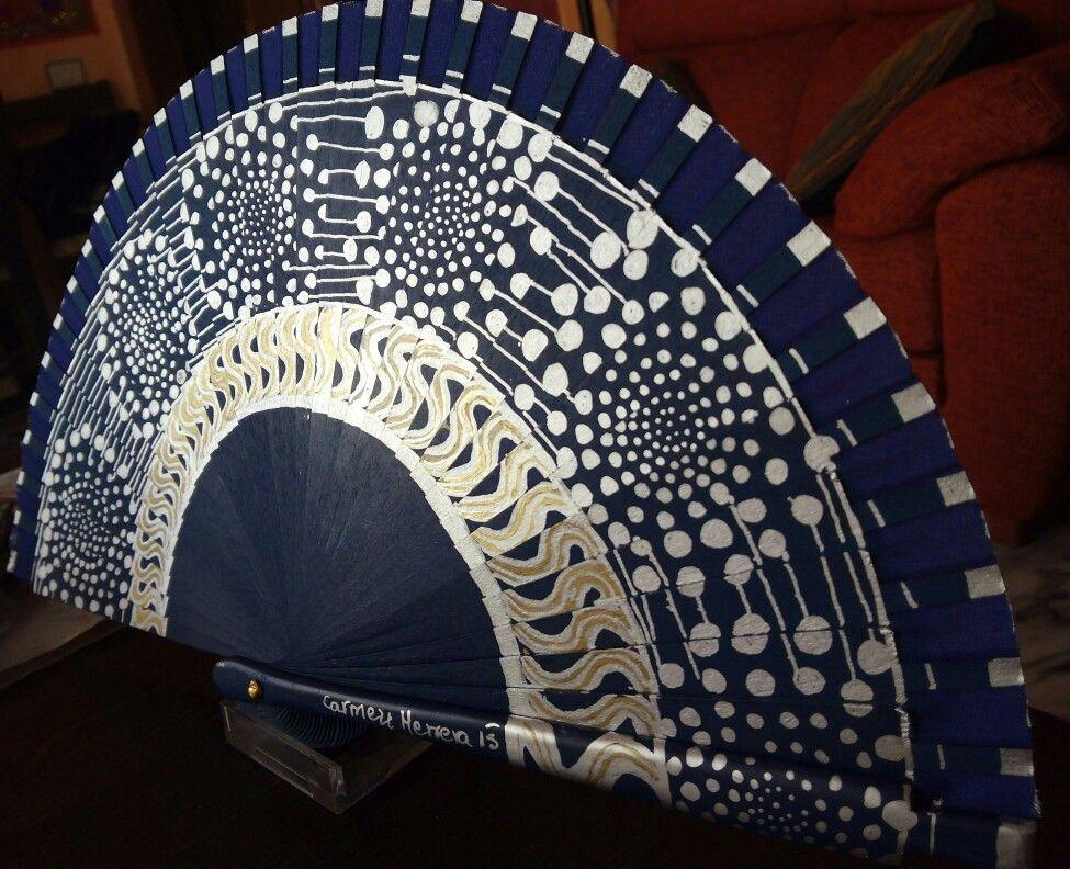 Abanico pintado a mano por Carmen Herrera