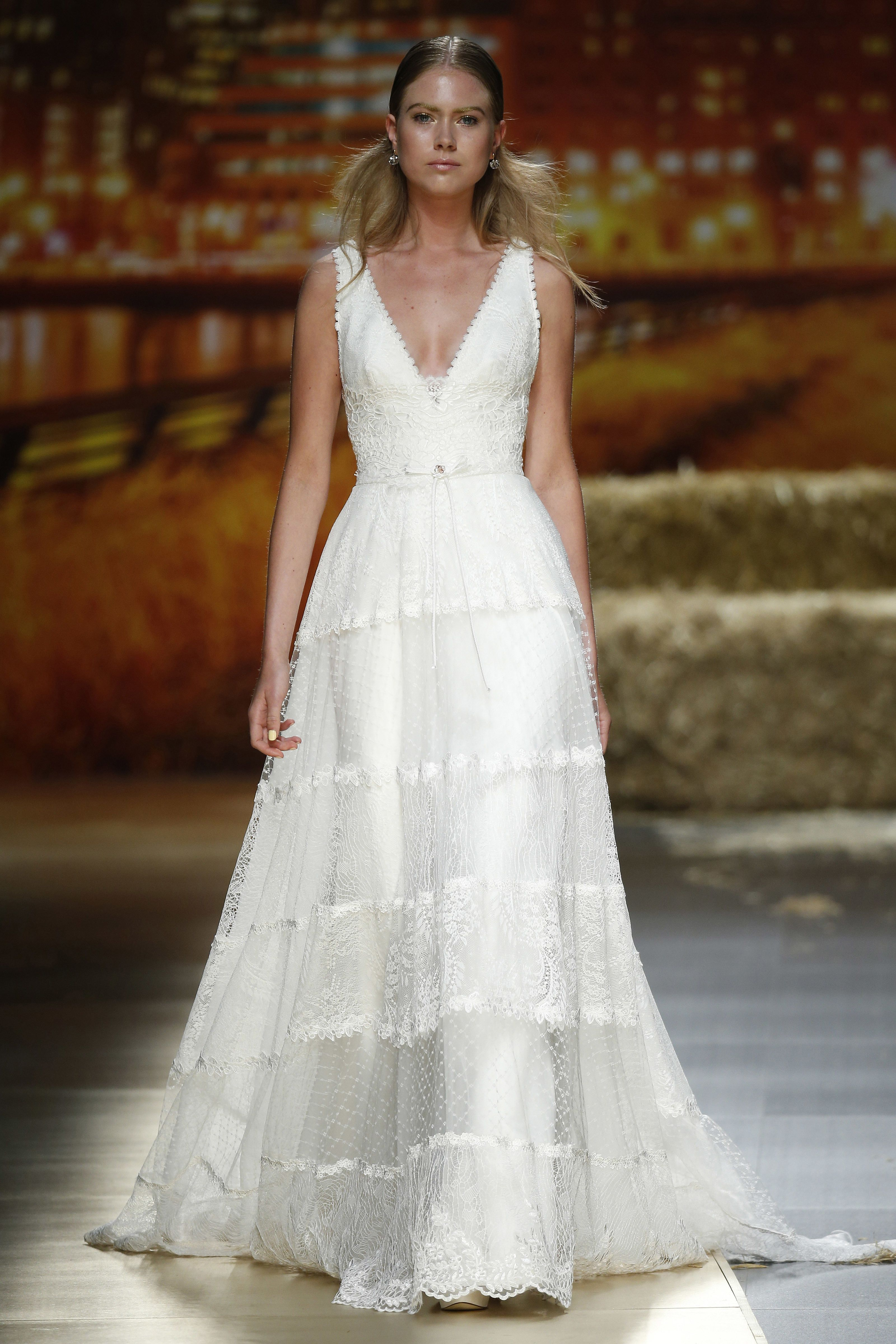 Prettiest wedding dresses from barcelonas bridal week pretty prettiest wedding dresses from barcelonas bridal week ombrellifo Choice Image
