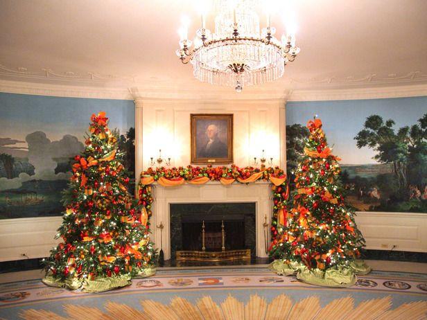 A Spectacular White House Christmas On Tv Hgtv White House Christmas White House Christmas Tree White House Christmas Decorations