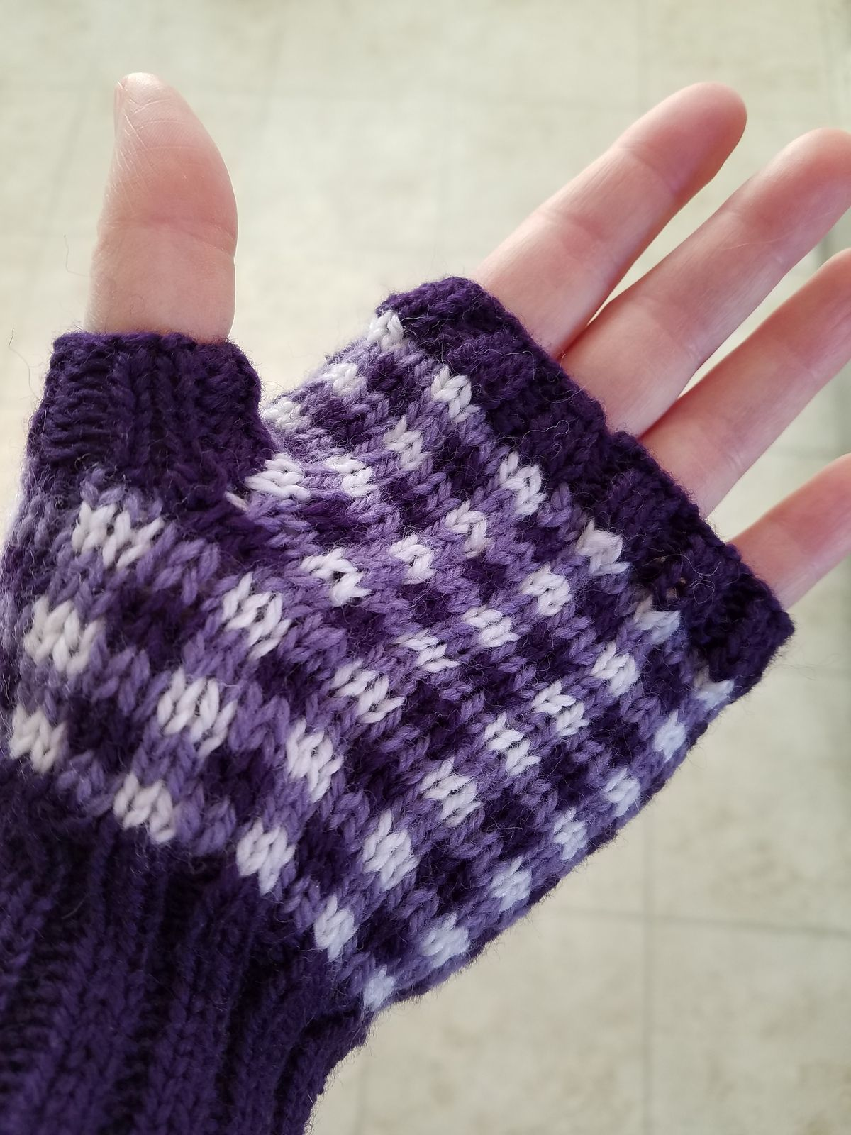 Free Knitting Pattern for Gingham Fingerless Mitts - Mitts knit in a ...