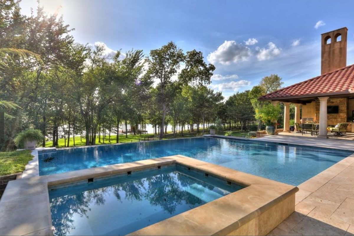 Square L Shaped Pool With Raised Square Spa Swimming Pool Builder Pool Builders Pool Construction