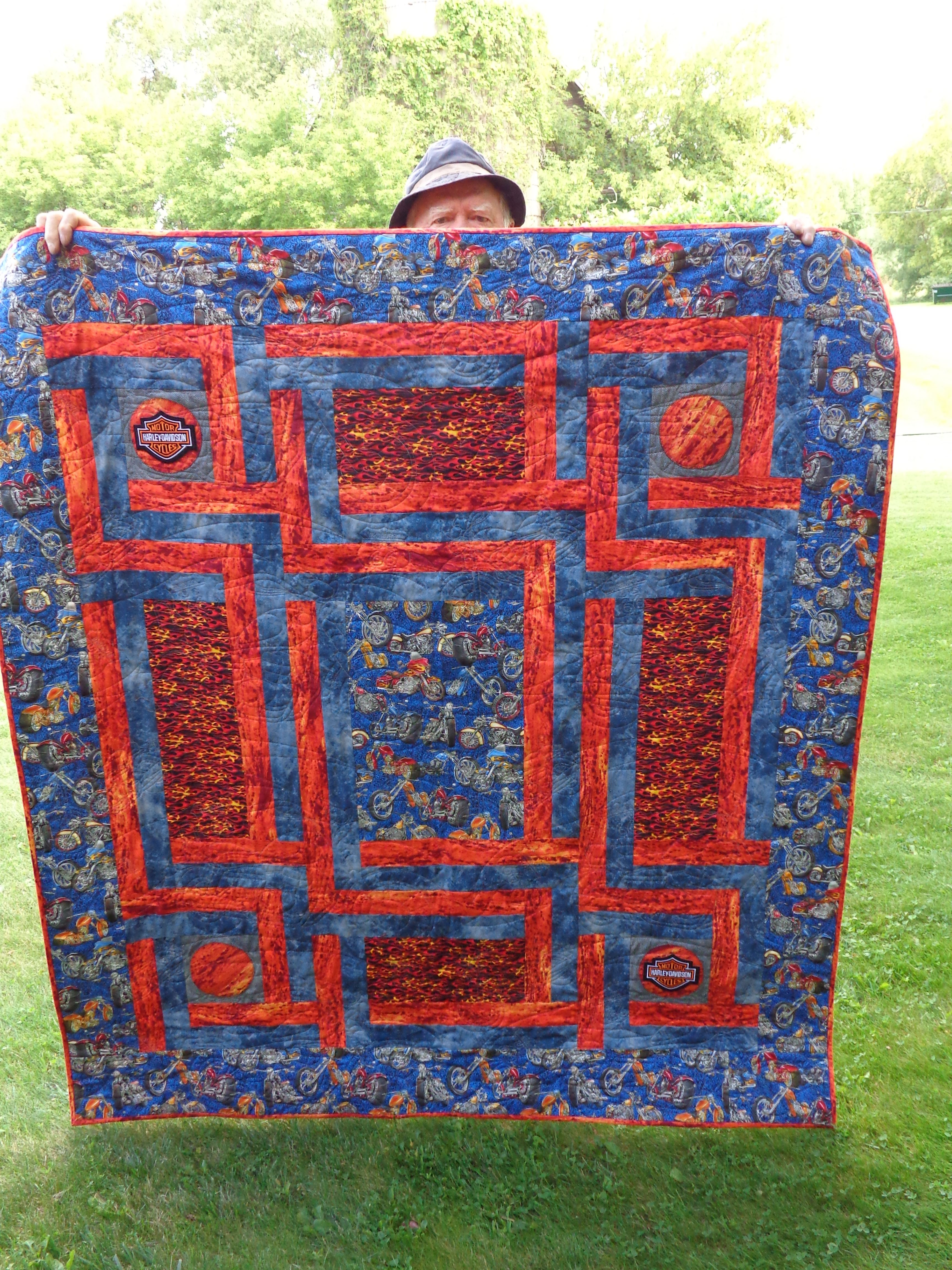I made this quilted throw for a cancer benefit, it had motorcycle ... : motorcycle quilt pattern - Adamdwight.com