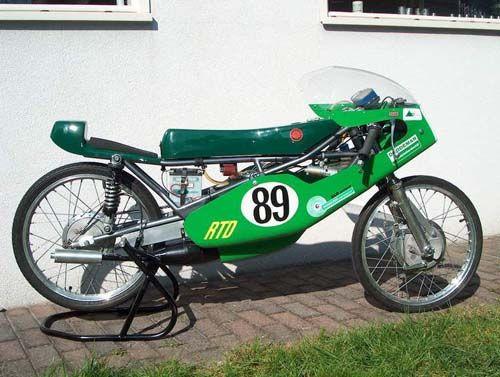 moto kreidler 8 titres de champion du monde en 50cc stuttgart kreidler moto allemagne europe. Black Bedroom Furniture Sets. Home Design Ideas