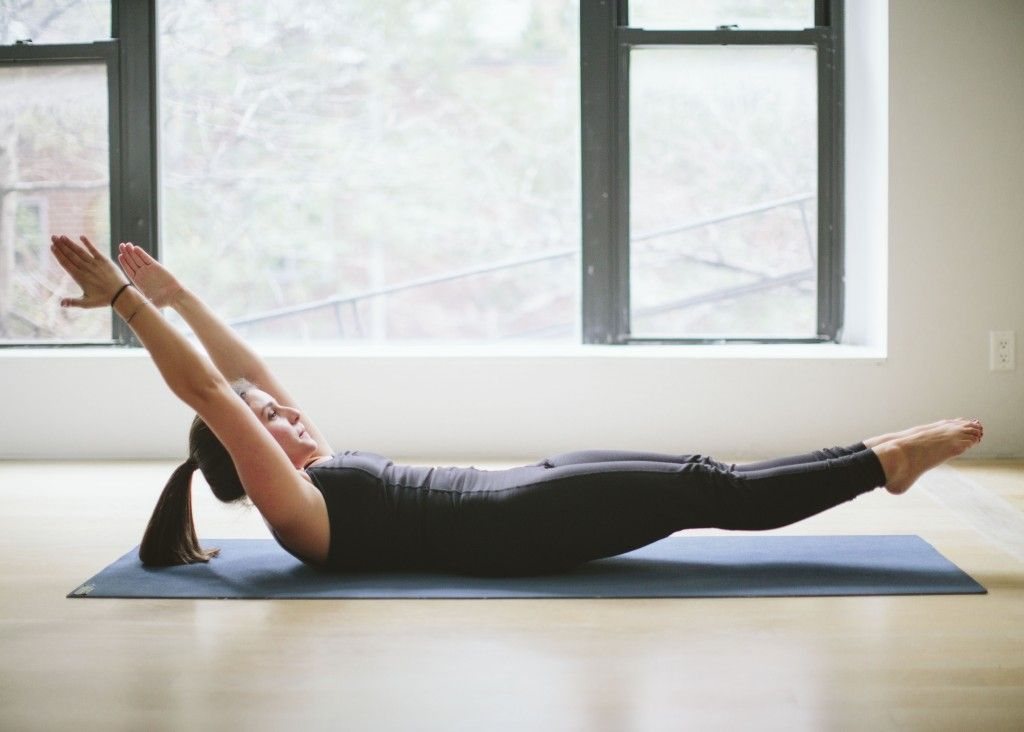 A Pilates Sequence To Sculpt Your Abs From All Angles Sonima Ballet Body Workout Magic Circle Pilates Pilates