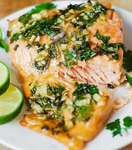 lb salmon 1 tablespoon olive oil salt and pepper 2 tablespoons honey 1 tablespoon freshly squeezed lime juice 2 tablespoons chopped cilantro 3 garlic cloves minced oven 400 F. Brush salmon with 1TB olive oil, salt&pepper. Put salmon large piece of foil. Fold foil sides and ends up (1 or 2 inches high). Leave top open, place on baking sheet....
