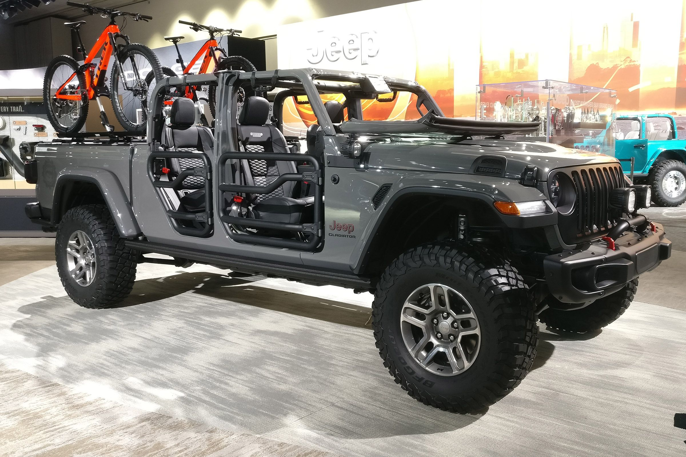 The Rugged Jeep Gladiator Pick Up Launches In America Late Next Year Before Arriving In Europe In 2020 Jeep Gladiator New Jeep Wrangler Jeep Wrangler