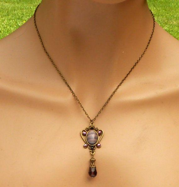 Tropfen Halskette im Antik Stil in lila bronze Y von Schmucktruhe