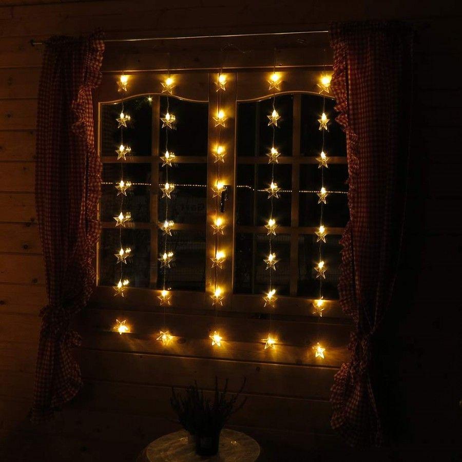 Weihnachtslichterkette Mit Sternen Als Dekoration Fur Fenster