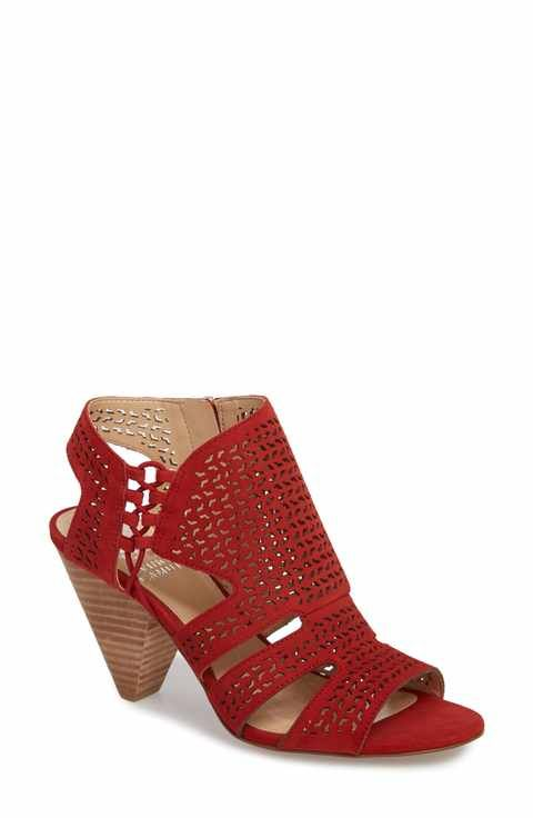 Vince Camuto Women's Esten Perforated Sandal ftIhShiw