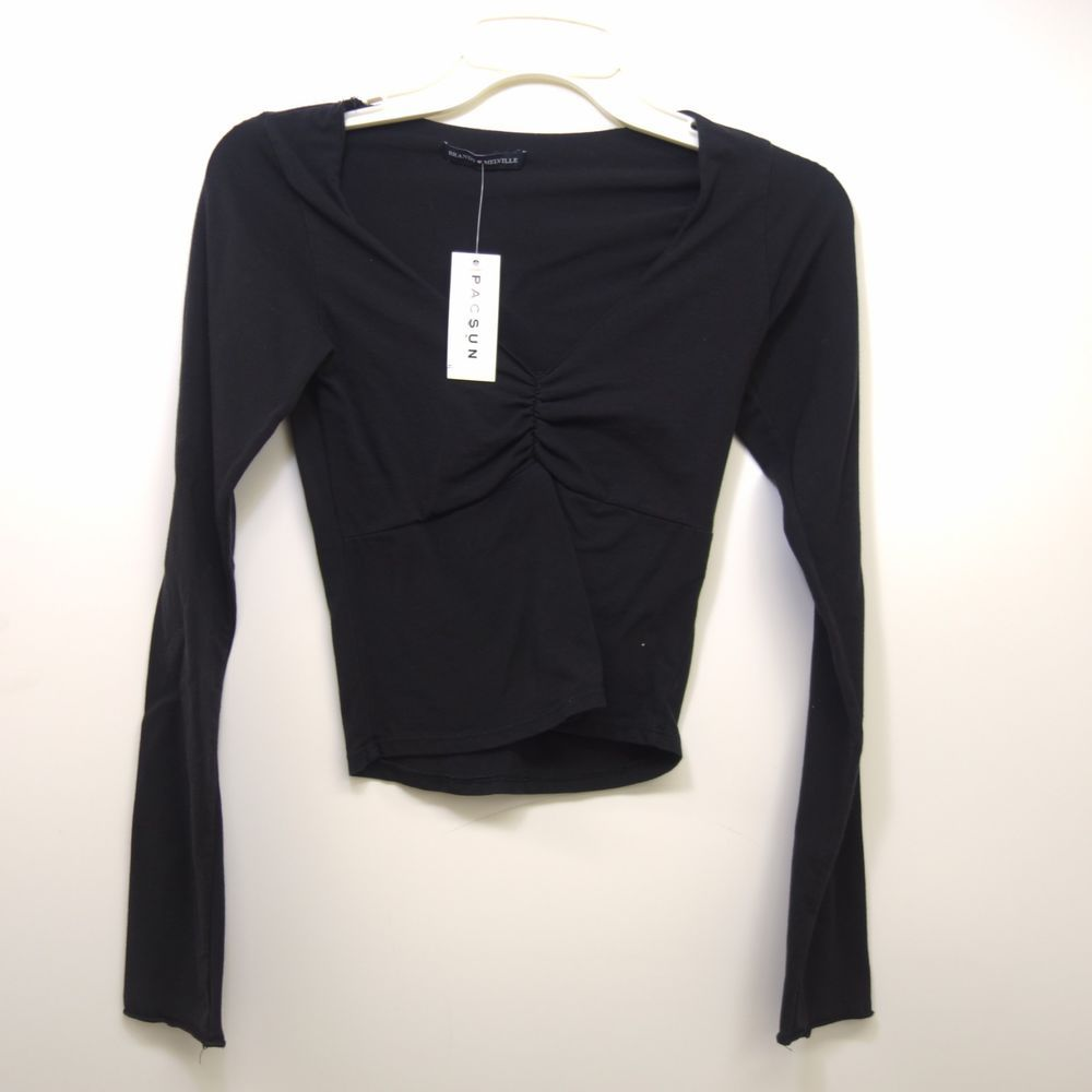 869fa2dd98c New Womens Brandy Melville V Neck Long Sleeve Crop Top Tee One Size Fits  All #BrandyMelville #TShirt #Summer