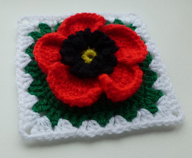Poppy in granny square pattern by Crochet- atelier
