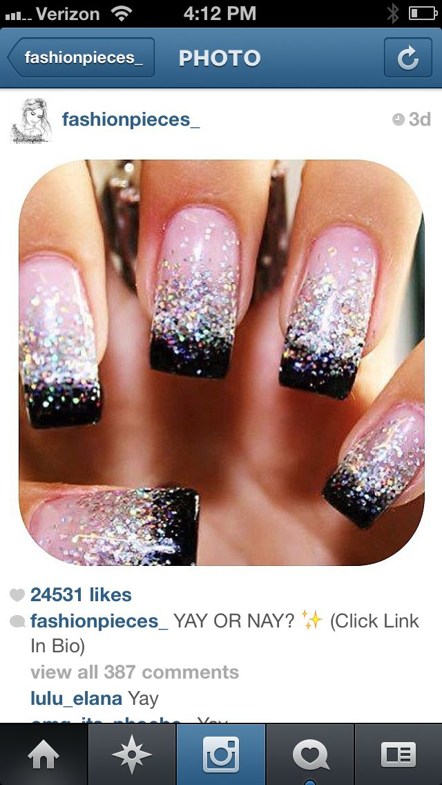 OoOoOo I want to grow out my nails just so I can do this to my nails ...