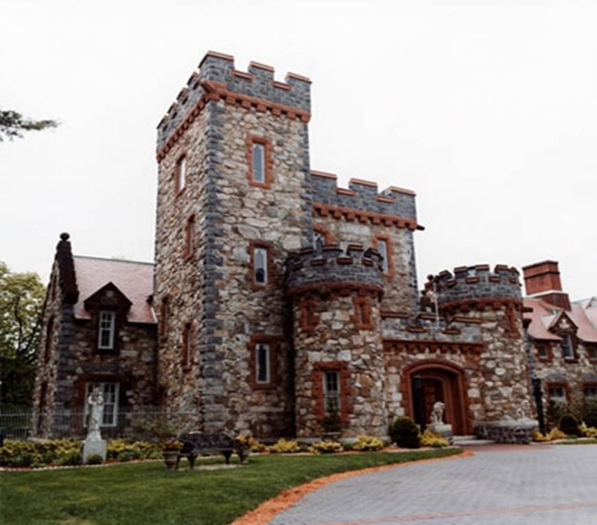 Imagine A Beautiful Castle Courtyard Smiling Bride And Groom Reception Like No Other Your Wedding Here At Searles In Windham New