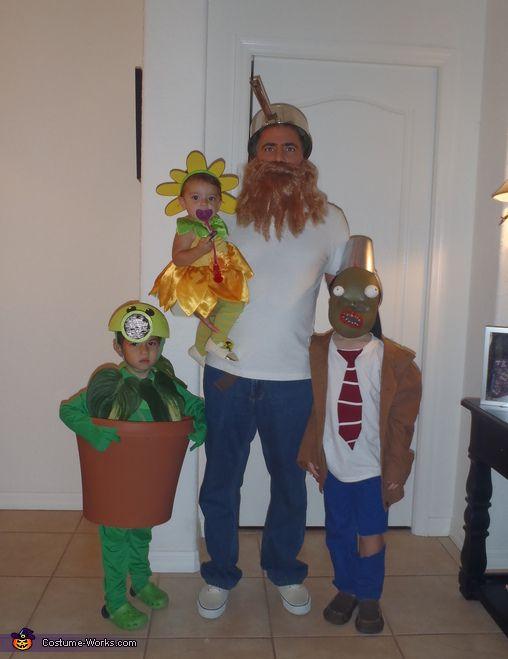 Plants Vs Zombies Halloween Costume Contest At Costume Works Com Zombie Halloween Costumes Best Diy Halloween Costumes Zombie Costume