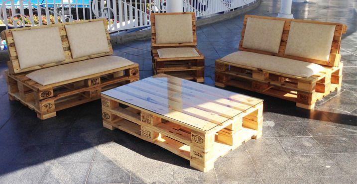 Muebles hechos con pallets tarimas reciclaje palets y sillones - Palet reciclado muebles ...