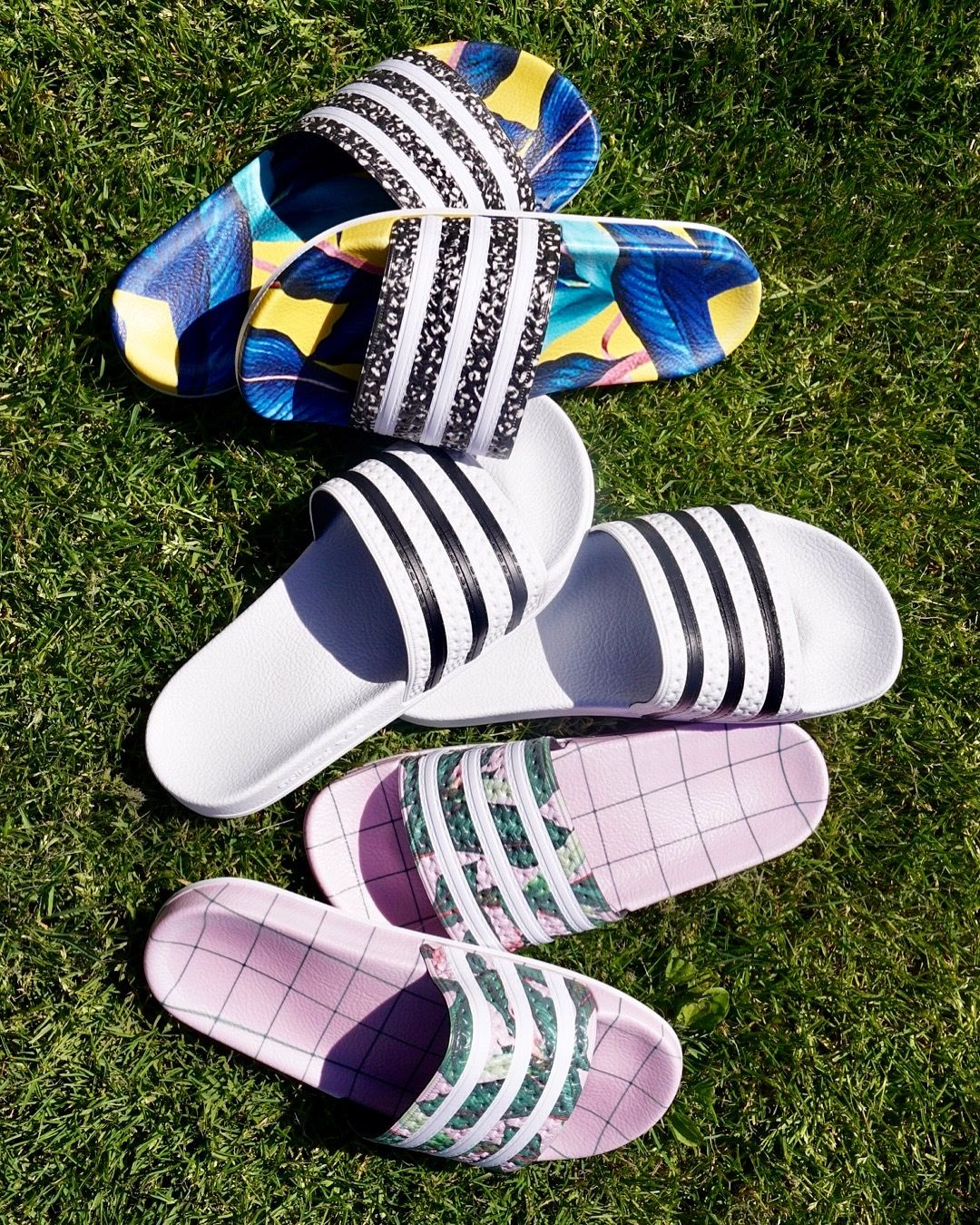 a lo largo Agotar Renacimiento  Slide in to Summer | adidas adilettes | Slides shoes adidas, Womens fashion  shoes, Trending sandals