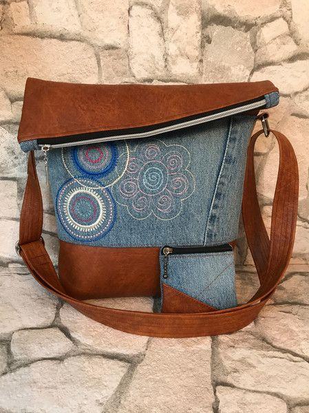 schultertaschen foldover tasche jeans upcycling ein. Black Bedroom Furniture Sets. Home Design Ideas