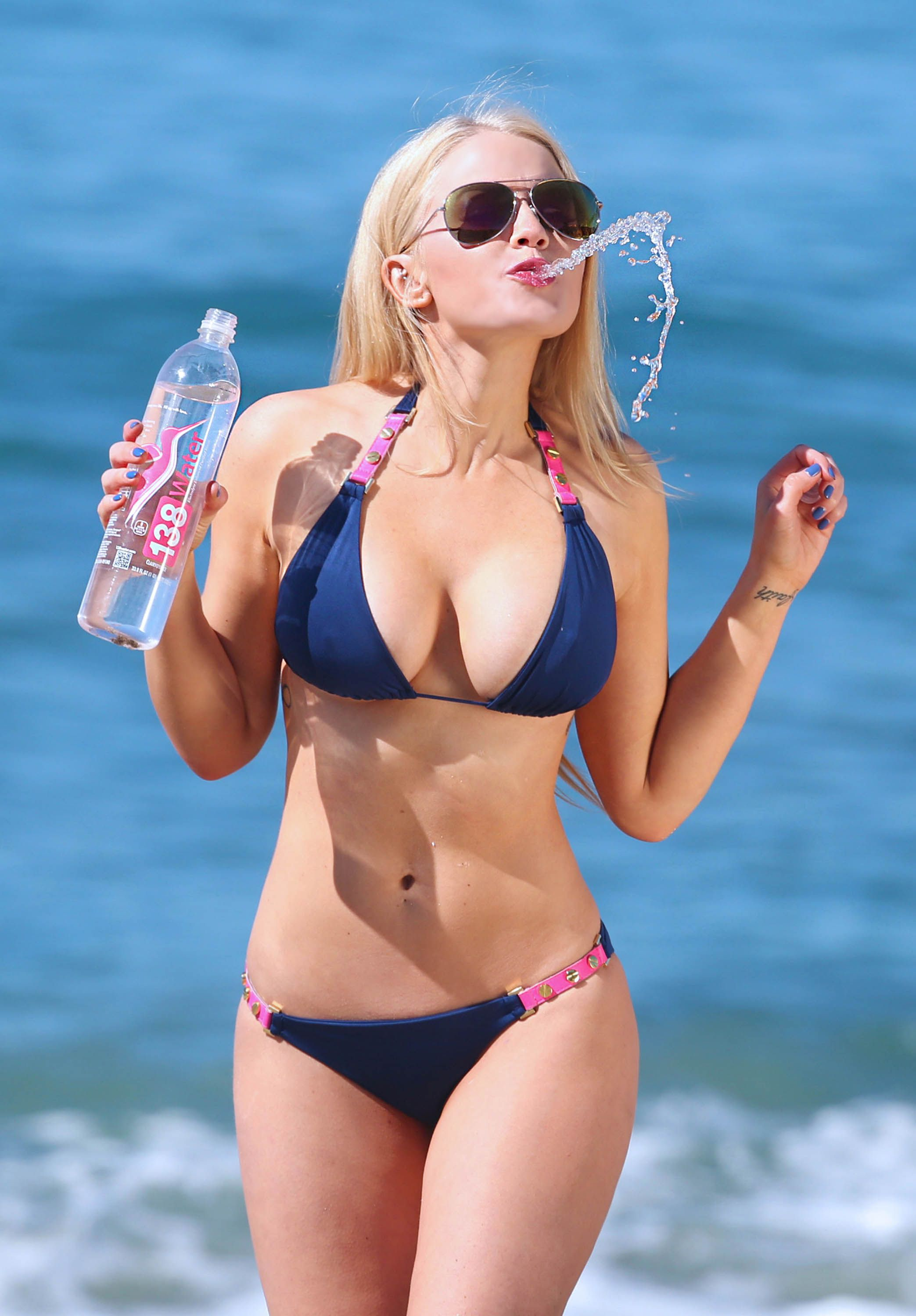 Anna Sophia Berglund Now Dats Perfect Bikini Body 138