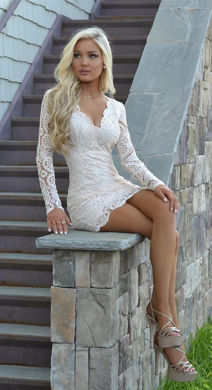 Sheath V Neck Long Sleeves Open Back Short White Lace
