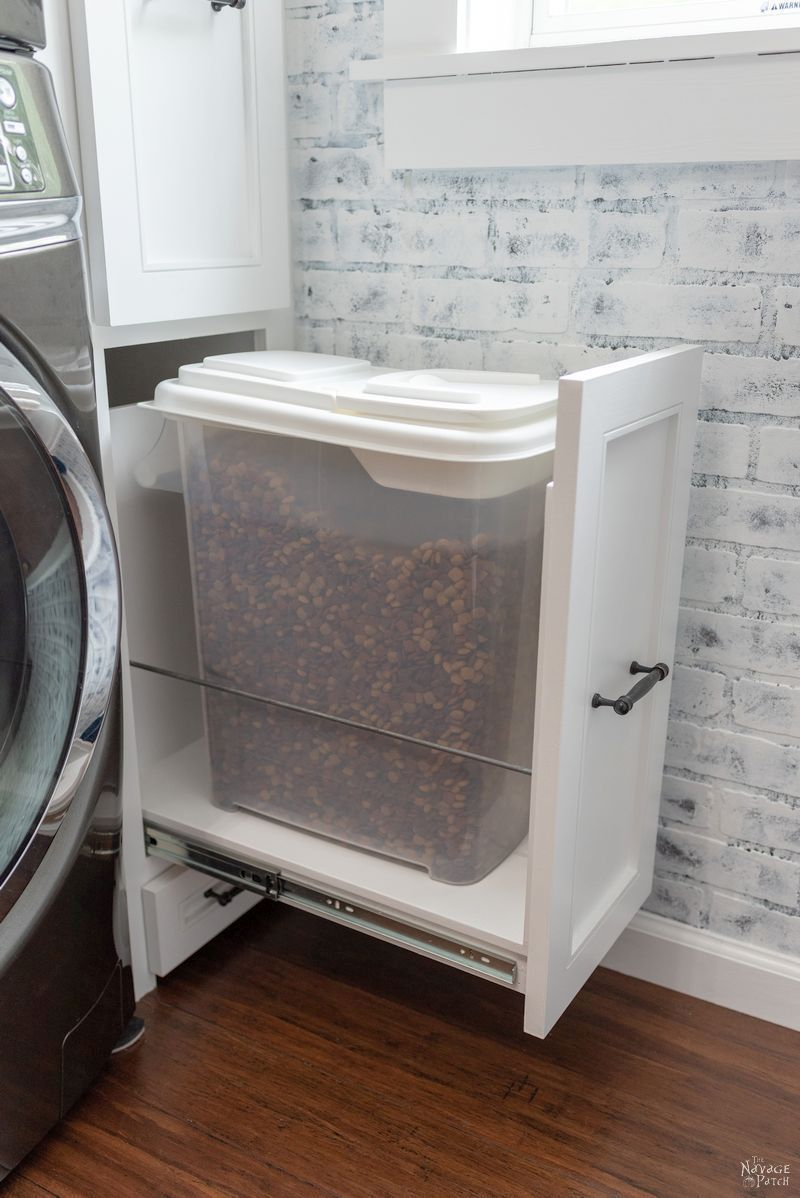Laundry Room Cabinet with Pull-Out Shelves #laundryrooms