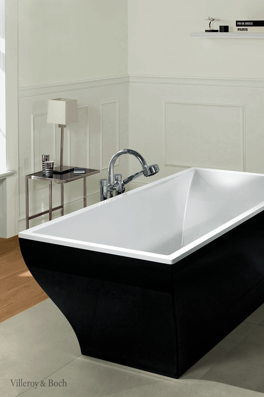 You Think A White Bathtub Is Not Exciting Enough For Your Interior Design Well Then Just Get A Black One And Make Sure Luxus Badezimmer Badezimmer Badewanne
