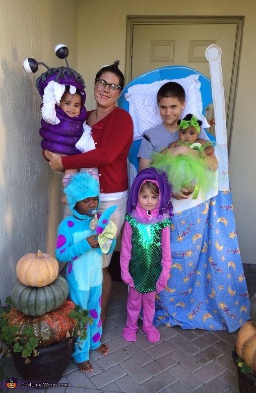 monsters inc family 2013 halloween costume contest via costumeworks - Monster Inc Halloween Costumes Boo