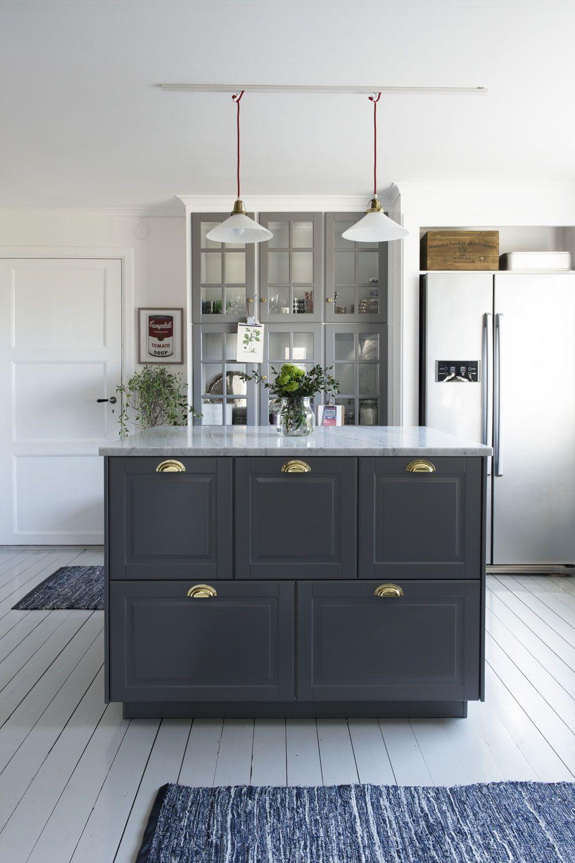 ett lantligt kök i grått att inspireras av. homespos emilie