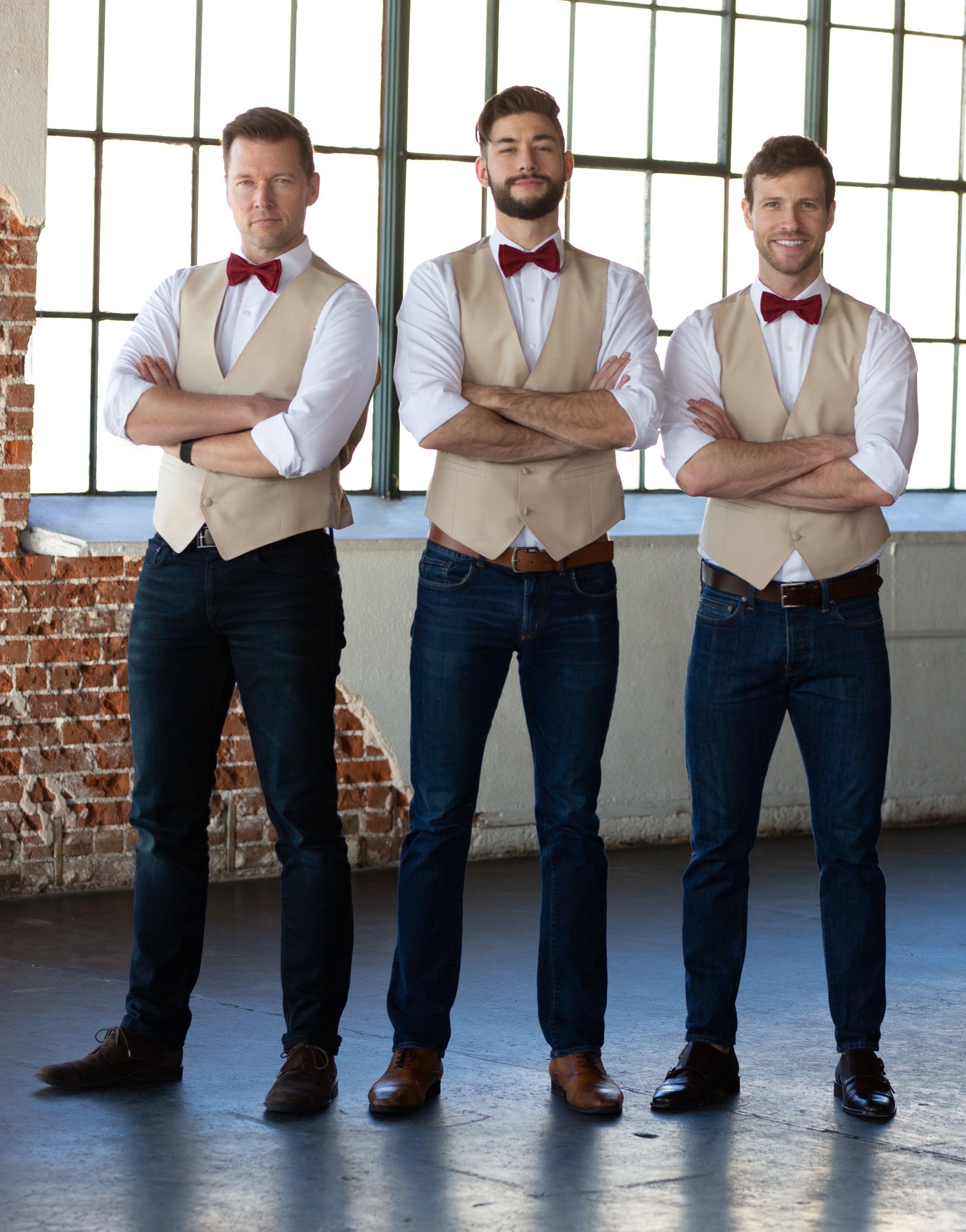 Burgundy bow ties for groom and groomsmen. in 2020