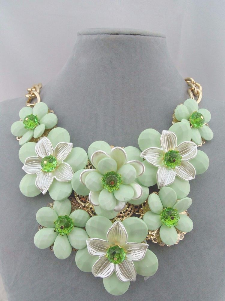Green white flower statement necklace gold fashion jewelry new green white flower statement necklace gold fashion jewelry new mightylinksfo