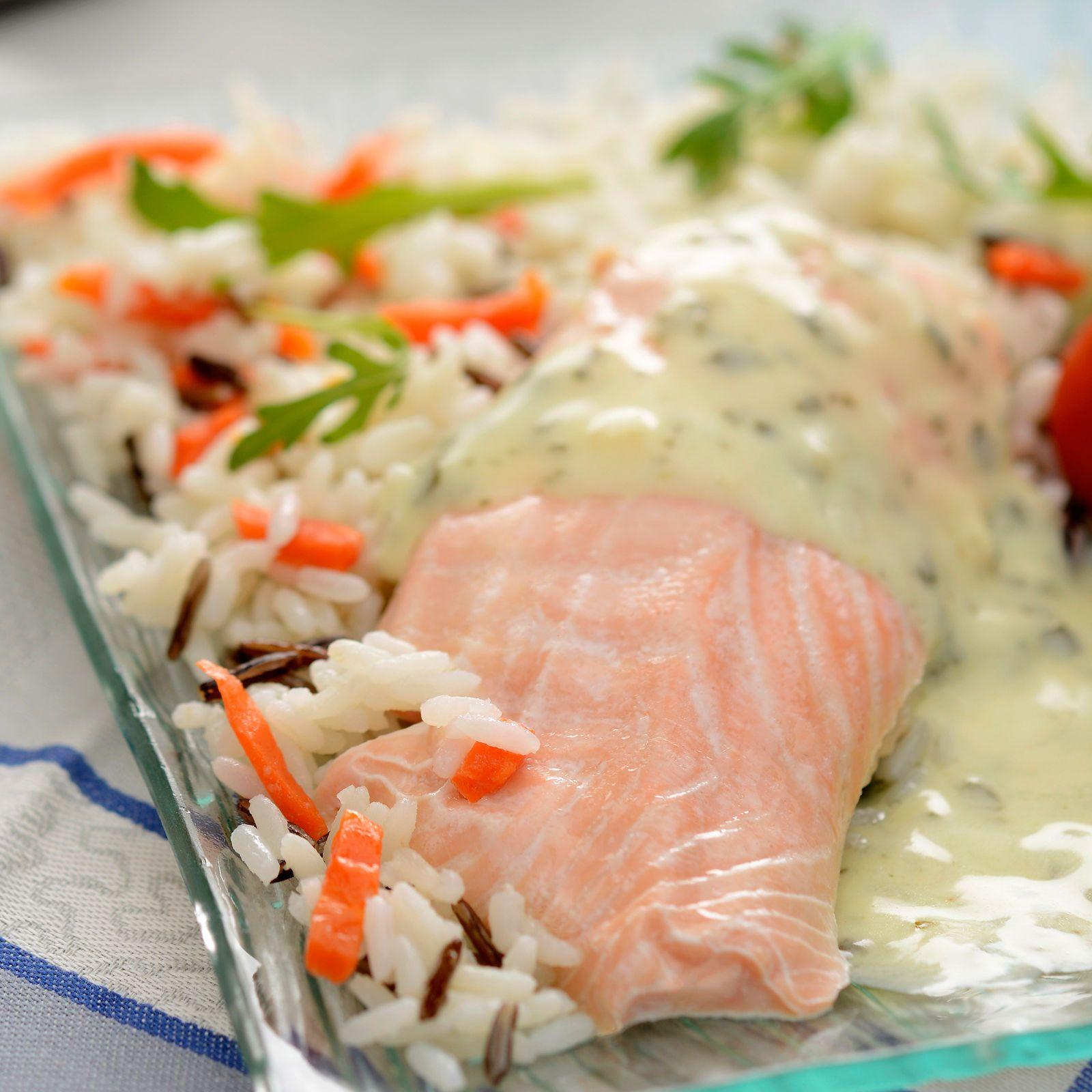 filet de saumon sauce légère au citron et riz mélangé | recipe