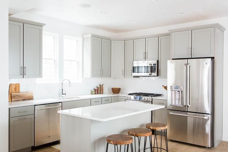 Best Fabulous Kitchen Features Light Grey Shaker Cabinets 400 x 300