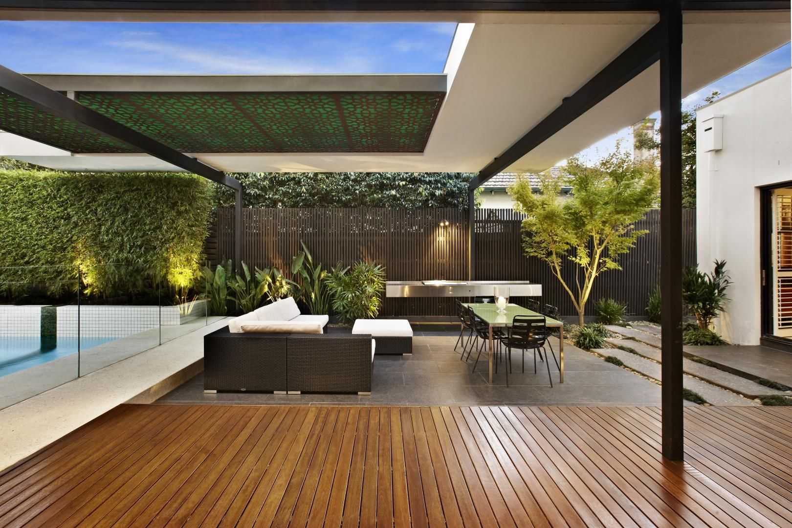 Relaxing Outdoor Space of a House on Balaclava Road, Australia ...