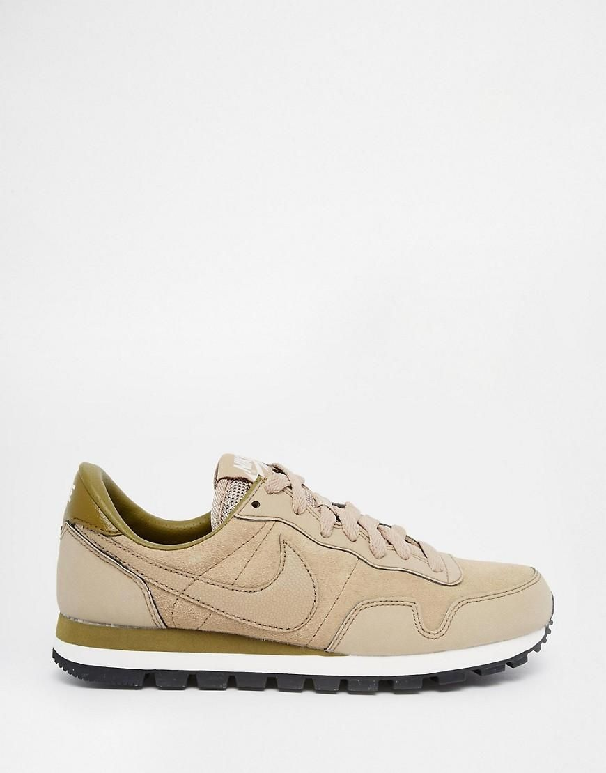 sports shoes 4de0a b8f17 Nike  Nike - Air Pegasus 83 - Baskets en cuir - Beige chez ASOS