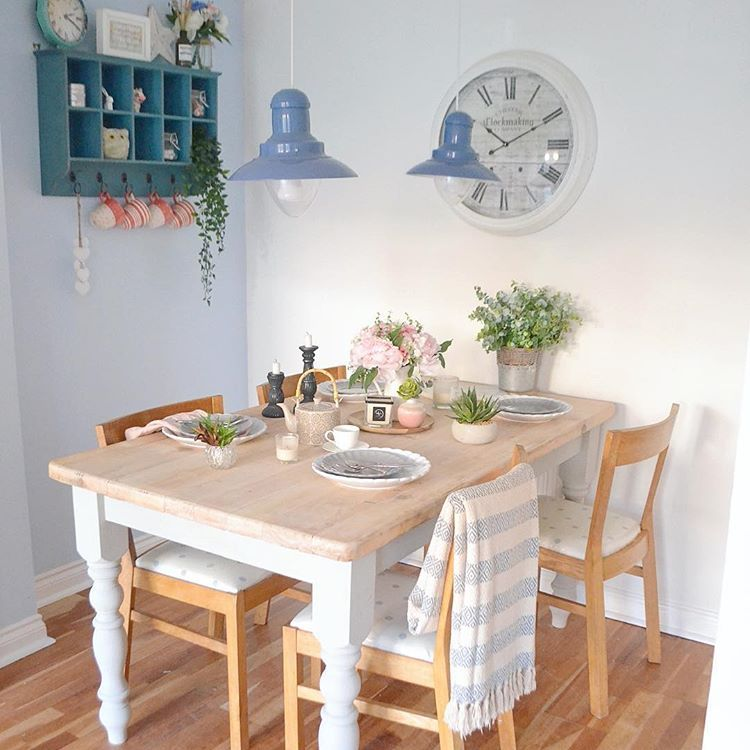Gorgeous White Washed Dining Table With Painted Legs In Grey Cute