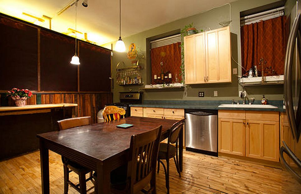 The Kitchen For Overnight Renters Chicago Dungeon Rentals Multi Room Dungeon With Hourly And