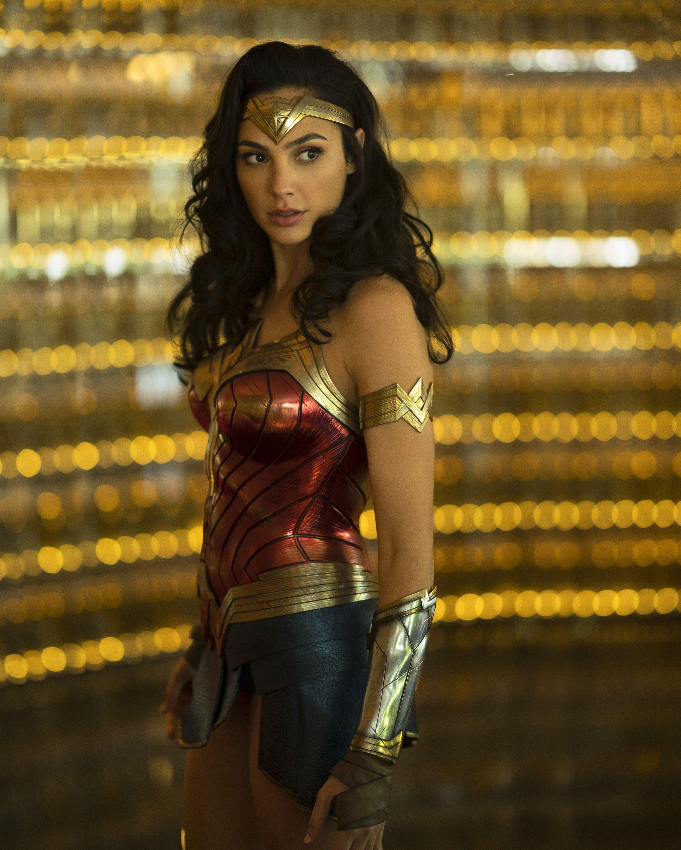 Wonder Woman 1984 In 2020 Gal Gadot Wonder Woman Gal Gadot Wonder Woman