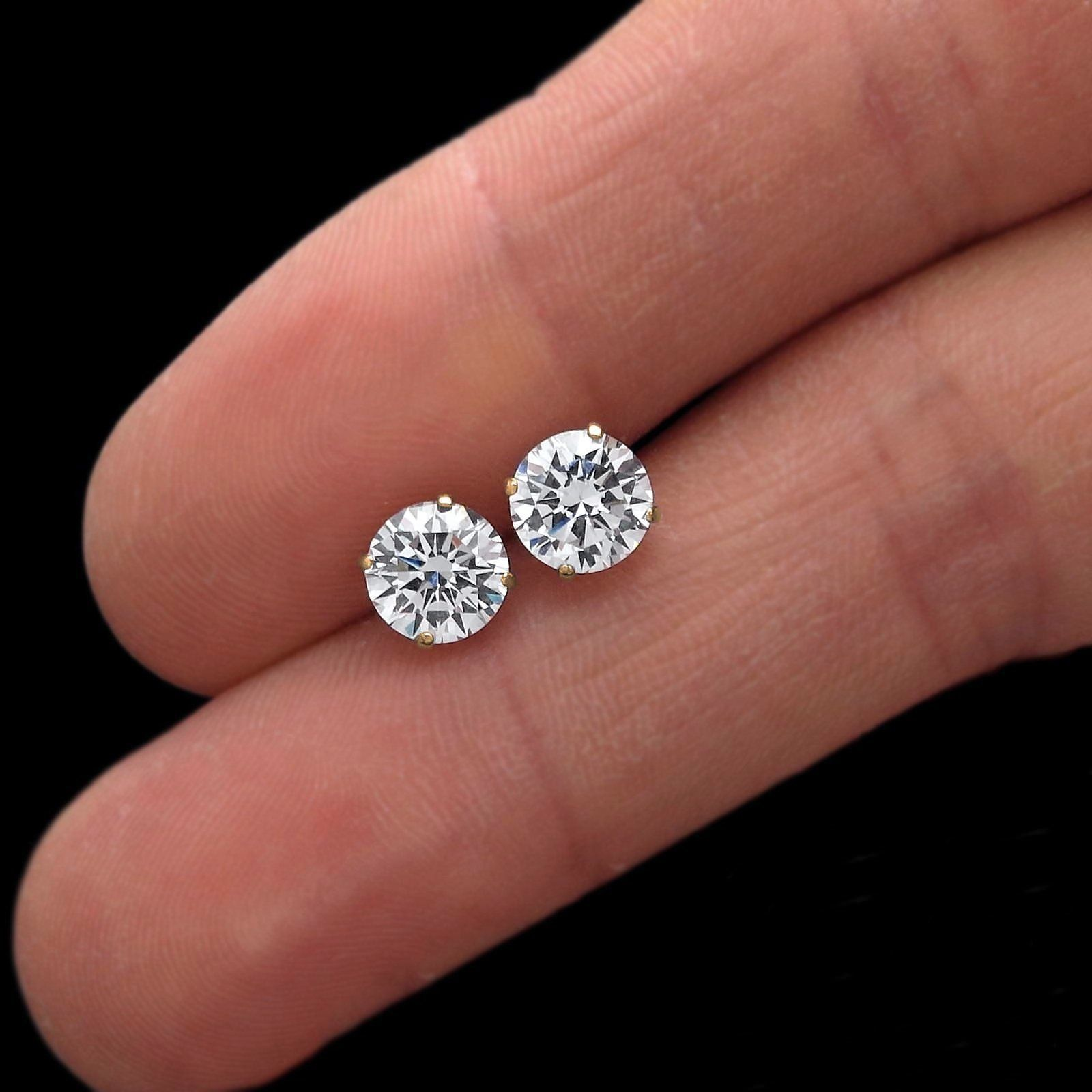3-Prong Round Forever One Def MOISSANITE Martini Clous D/'Oreilles 14K Or Blanc