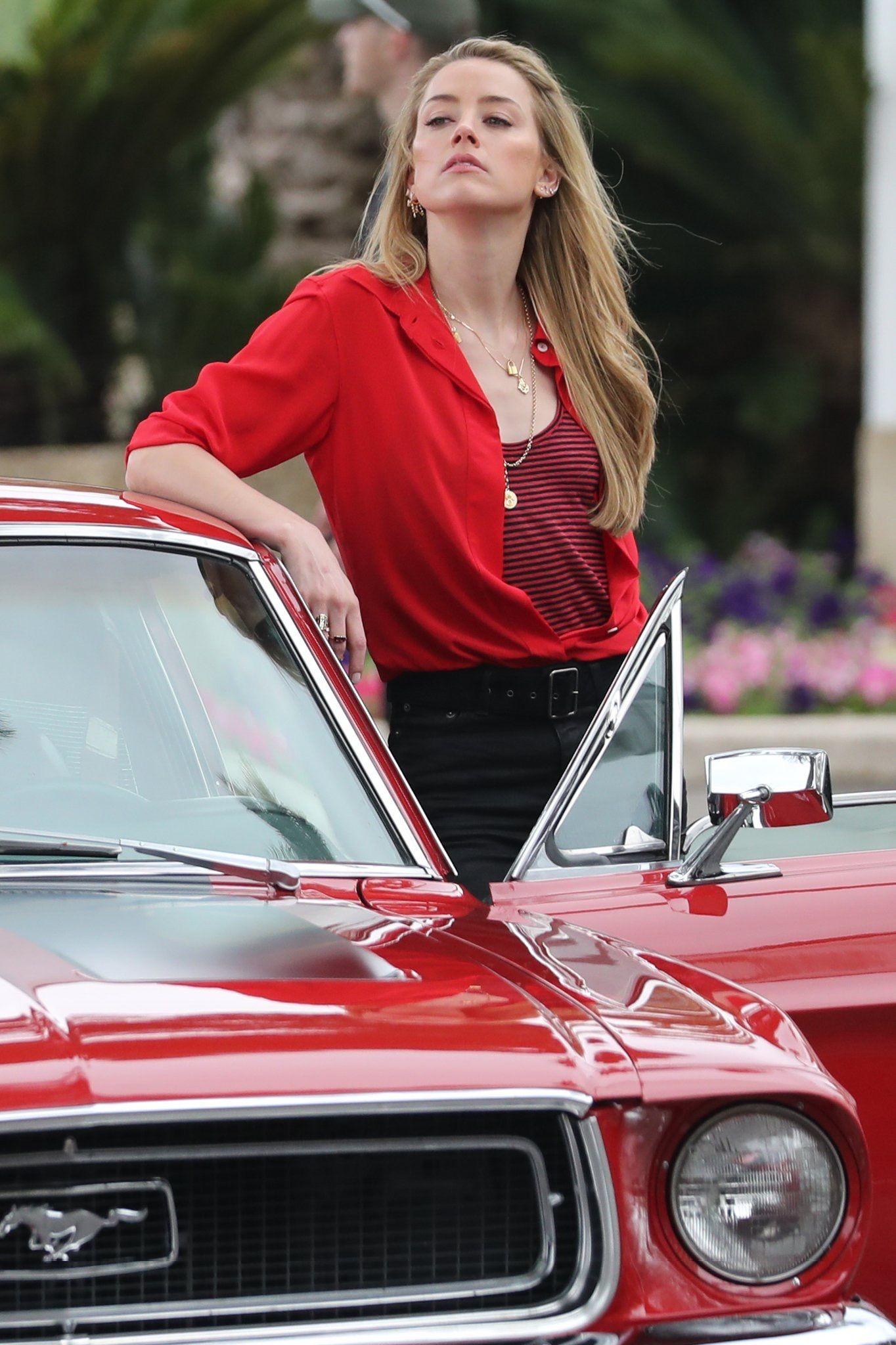 Amber Heard And 68 Ford Mustang Amber Heard Mustang Girl Amber Heard Age