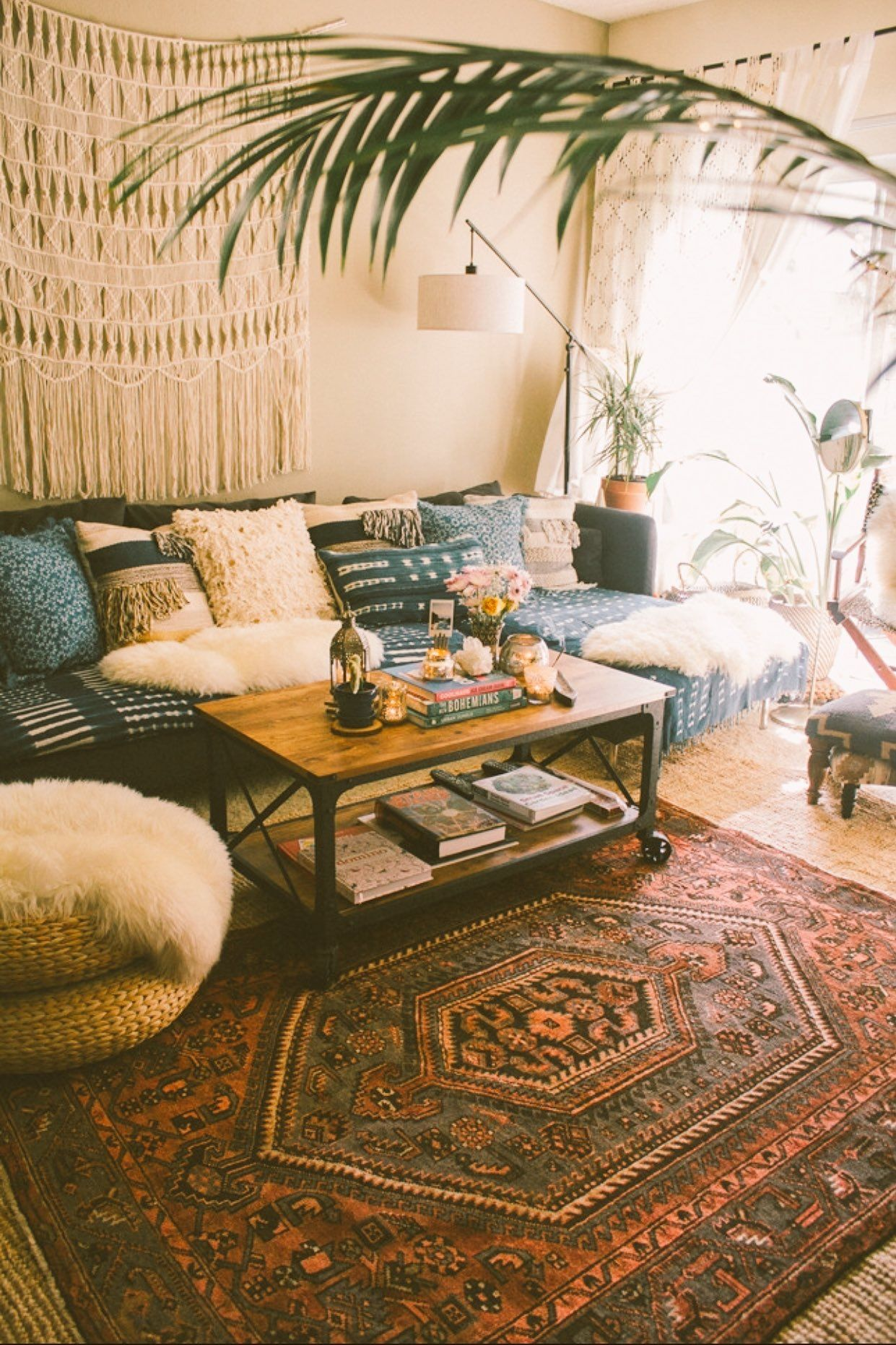 pin by ghena on decoration bohemian living room decor modern bohemian living room decor on boho chic decor living room bohemian kitchen id=33377