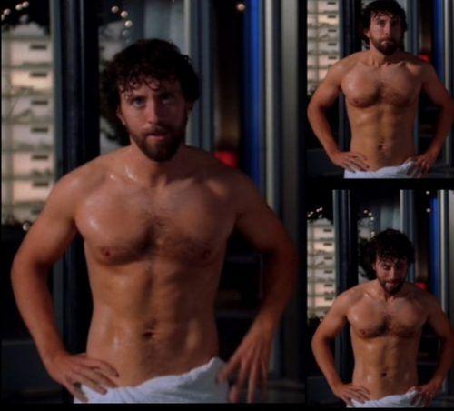 T j thyne desnuda