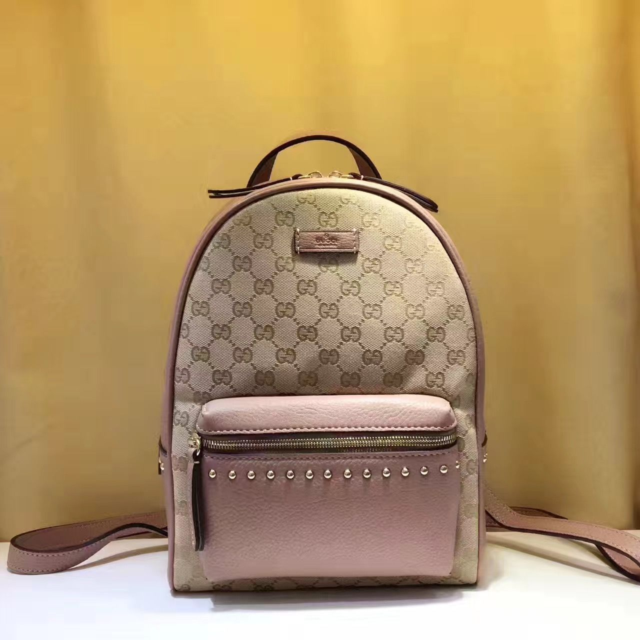 1e378ab9e3c Gucci GG Supreme Backpack 100% Authentic 80% Off