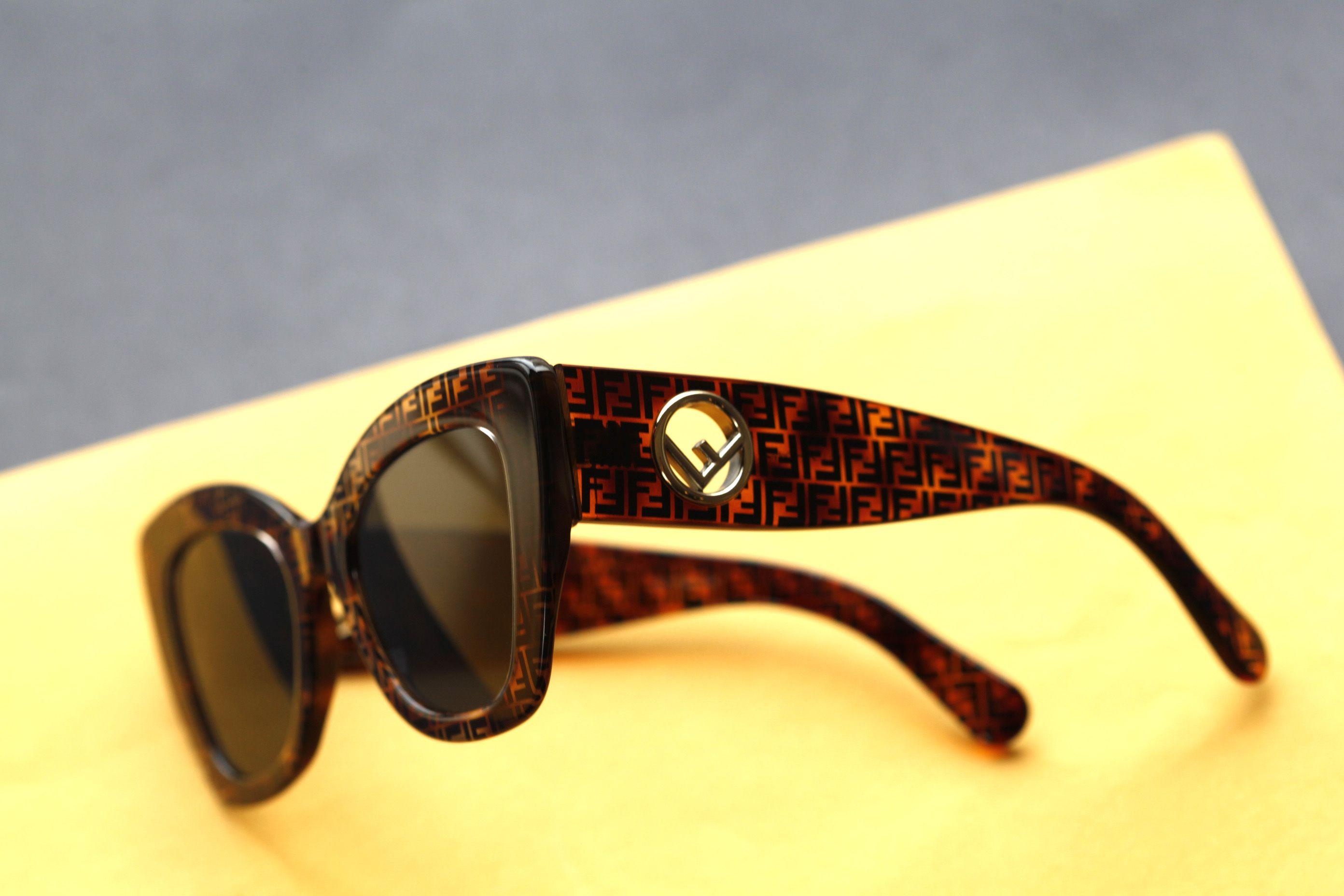 99922a22e9fb0 FENDI FF 0327 S - ÓCULOS DE SOL  fendi  fendieyewear  oculosdesol   sunglasses