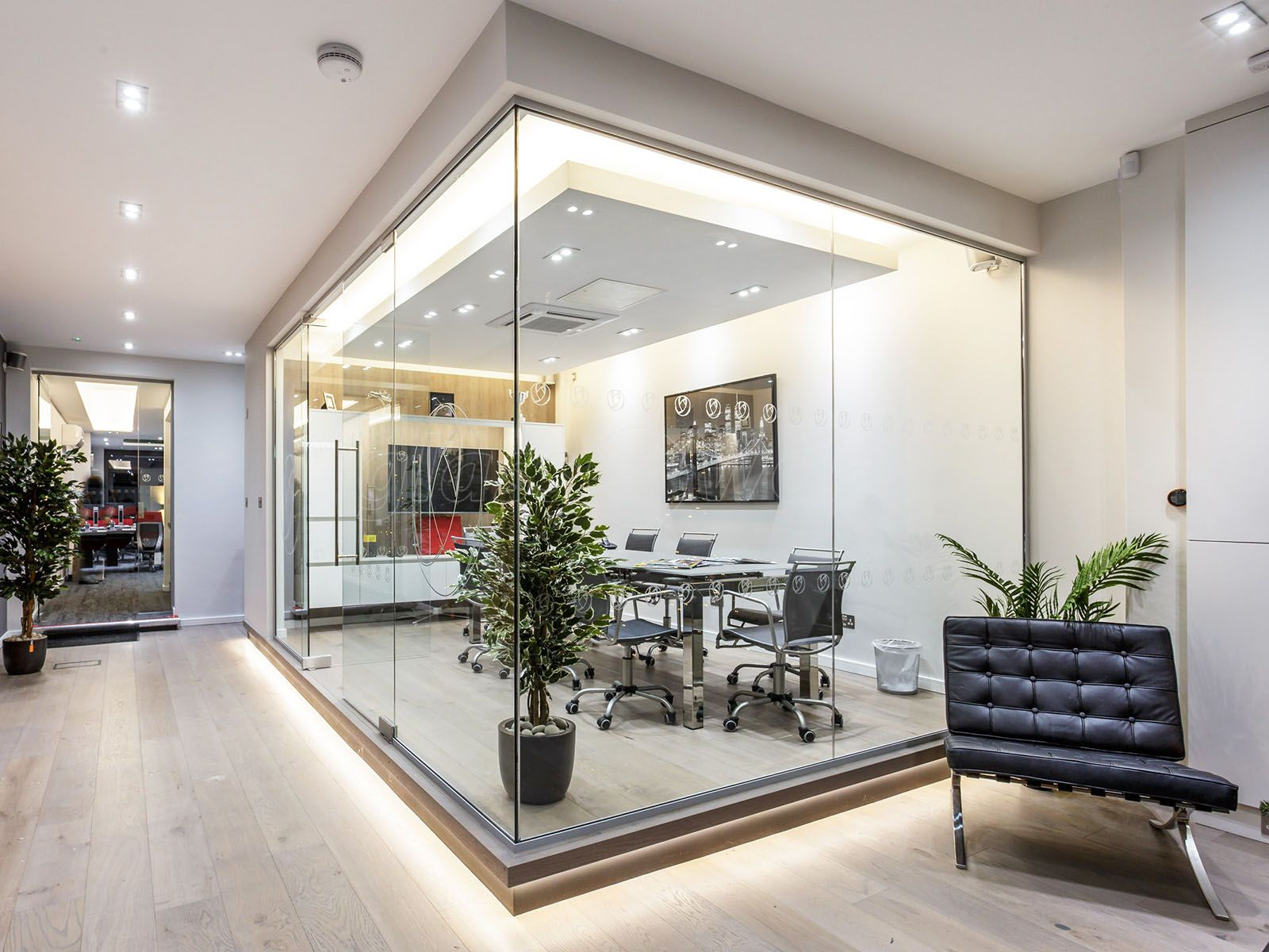 Frameless Gl Walls From 2000 Fully Installed A Modern Office Corner Room Built Using The At Work Parioning System
