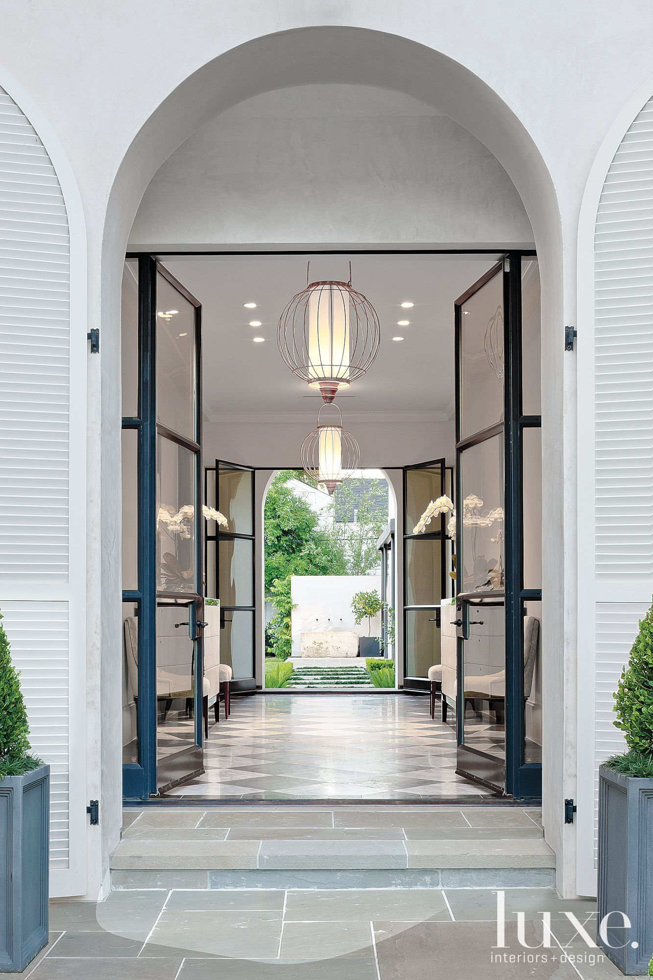 Luxury Home Entrance A Contemporary Houston Residence With A Regency Style
