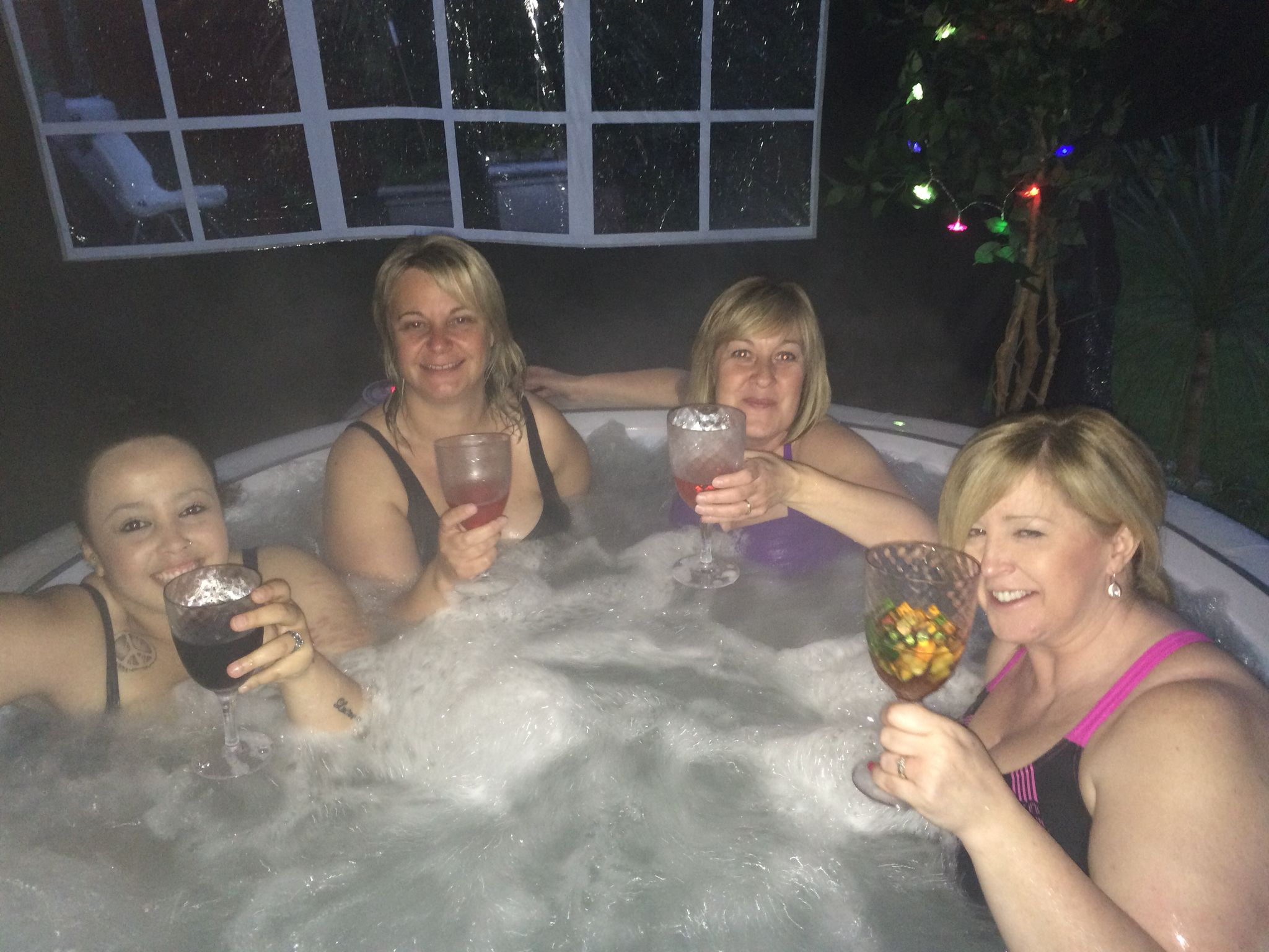 Heavenly Hot Tub Hire Girls Just Want Zoo Have Fun Tub Hot