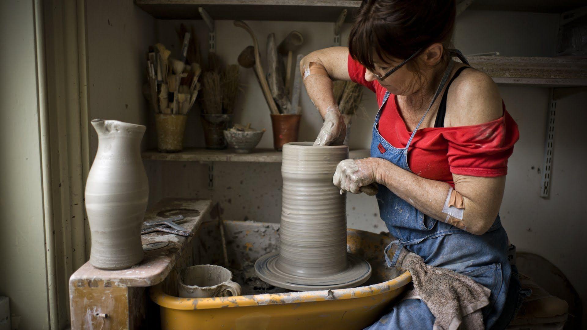 "Lisa Hammond: ""A Sense of Adventure"" feature film about British potter"