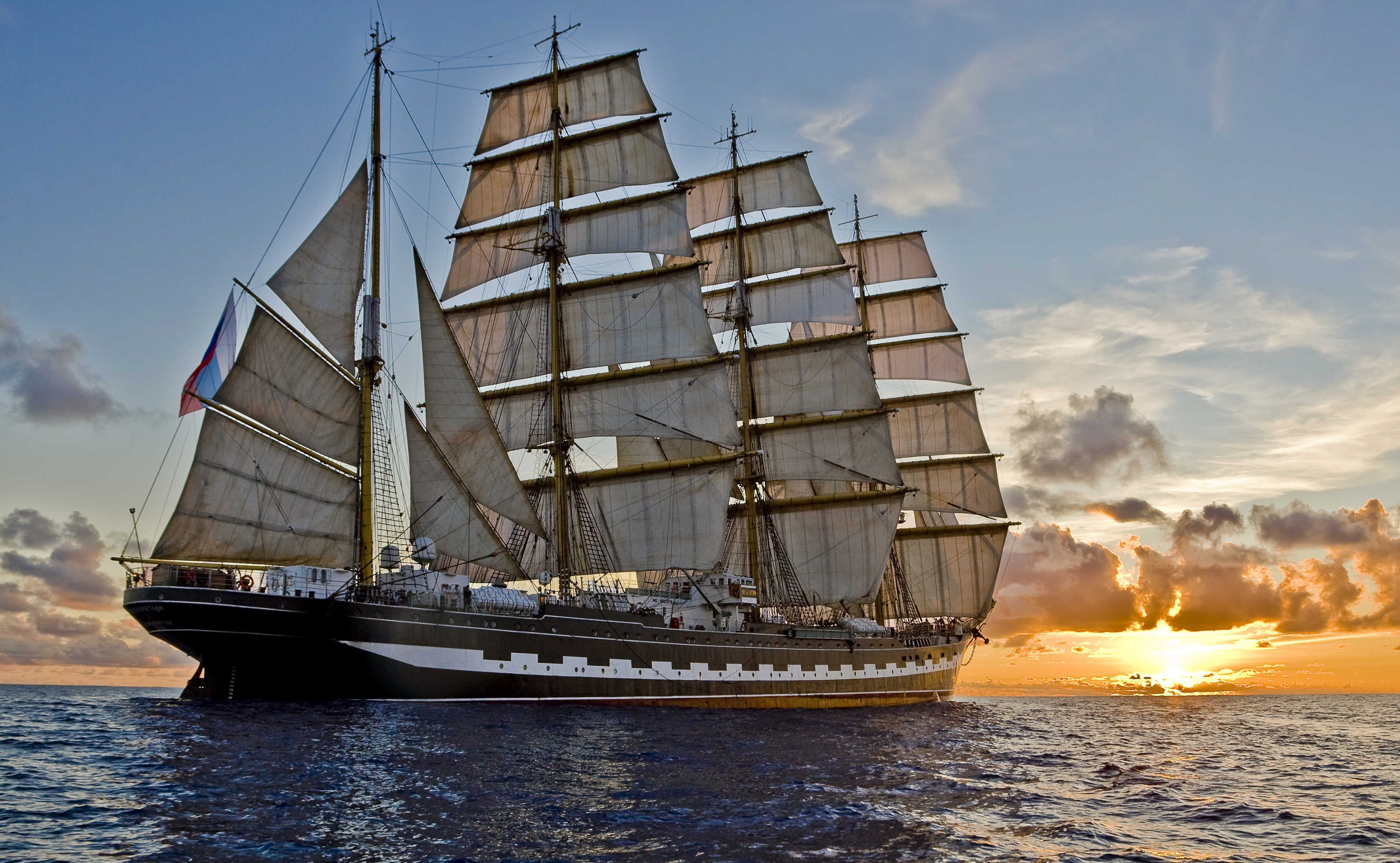 Old Wooden Sailing Ships They Are Beautiful Old Boats Sailing