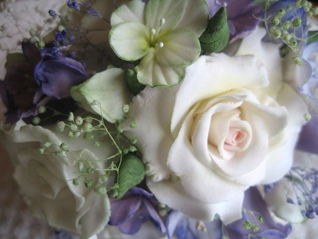 sugar flower bouquets | Sugar paste flower bouquet | Projects to Try ...