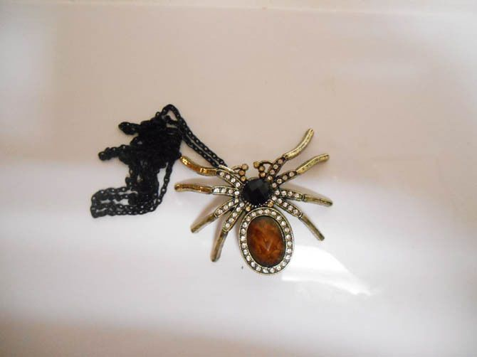 Once Upon A time Fairytale Spider Wicked Queen Necklace Pendant