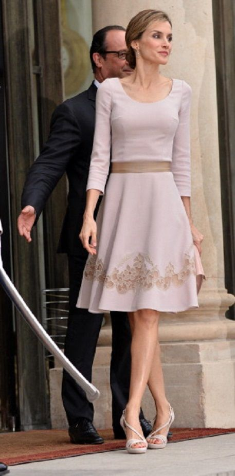 French President Francois Hollande welcomes King Felipe VI of Spain... #presidents